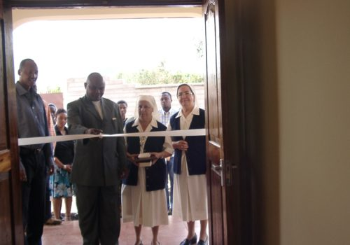 Inauguracion_EscuelaPrimaria Santa Monica Equipada Tanzania