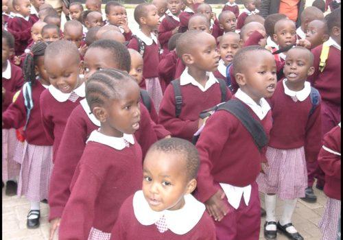 Niños Escuela Santa Monica, Moshono, Arusha, Tanzania.